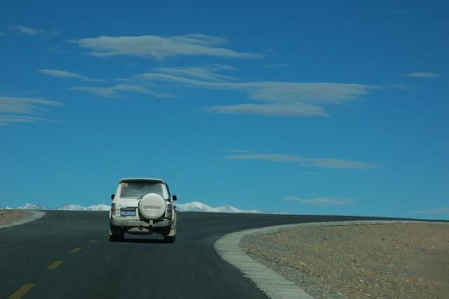 西藏包車旅遊