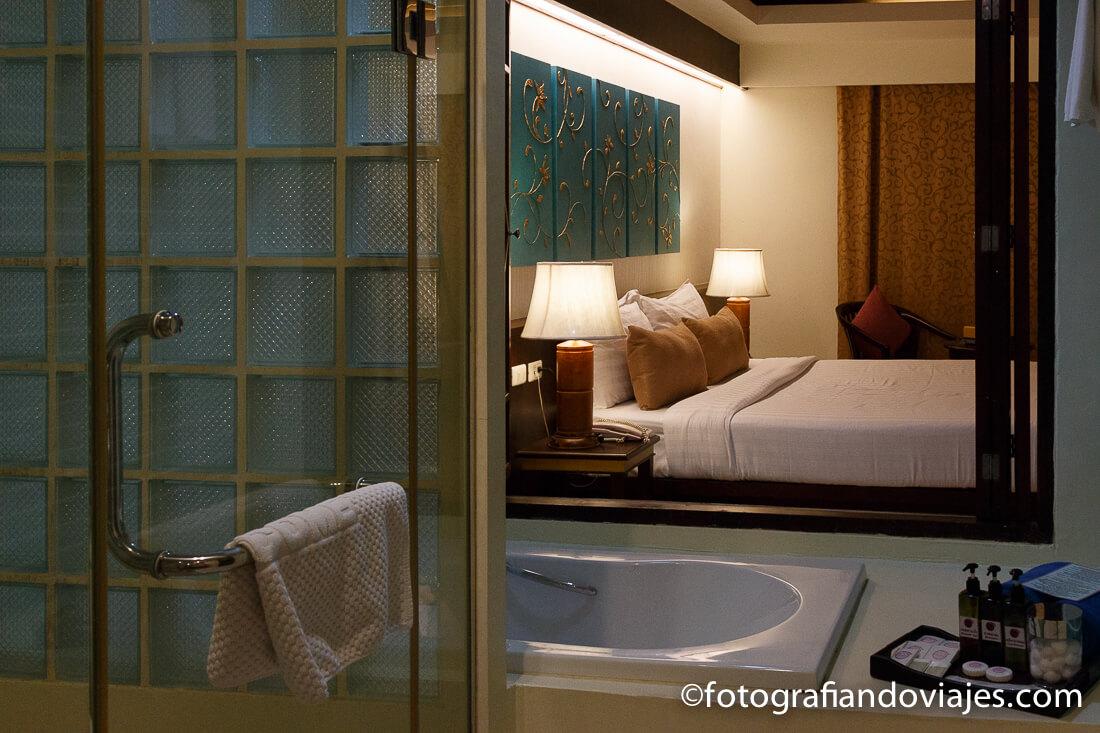 Baño y dormitorio