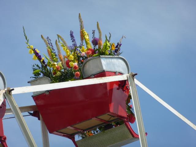 Flower ferris wheel