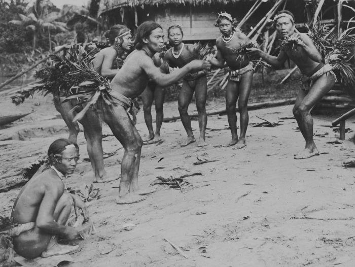 Modifikasi Tubuh Suku-Suku di Dunia Modifikasi Tubuh Suku-Suku di Dunia 5