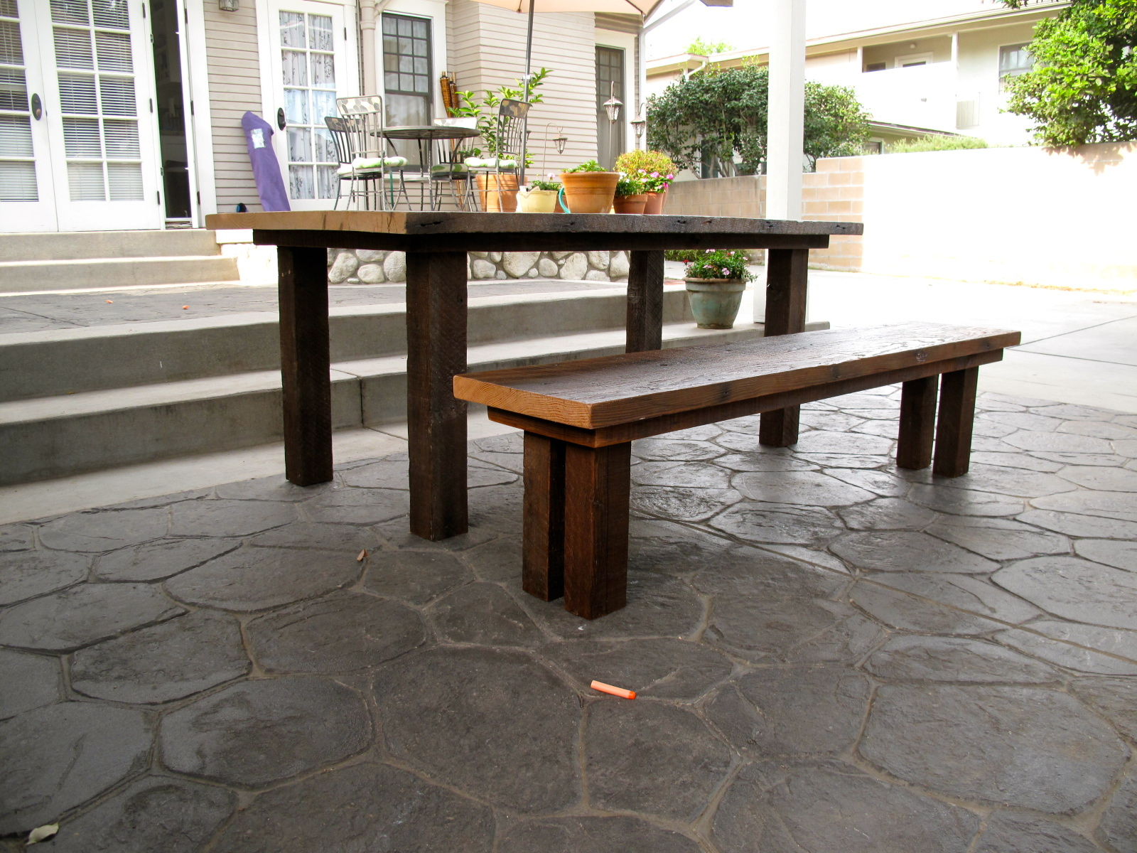 Reclaimed Wood Furniture: Outdoor Dining