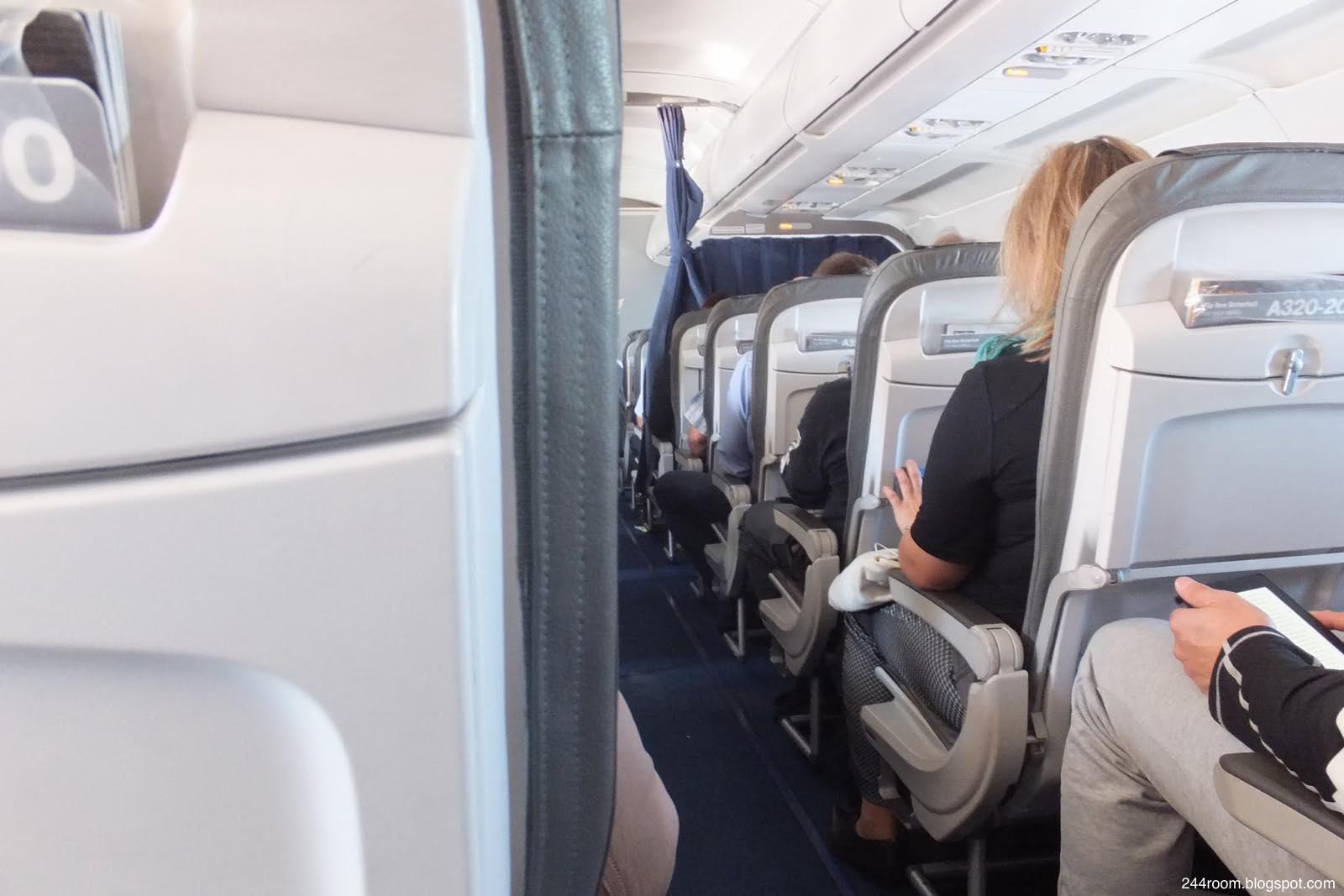 ルフトハンザエコノミークラス座席 LH economy class seat