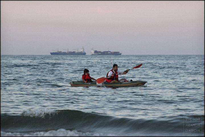 fotografía, mar, El Saler, playa, piragua, remo, padre, hijo, familia