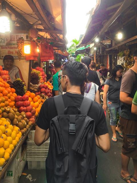 penjual buah-buahan di petak sembilan