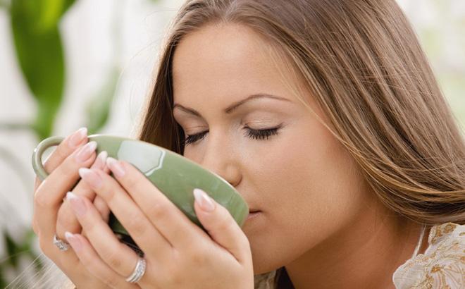 """""""Uống nước dưỡng sinh mật ong"""" như thế nào là tốt nhất cho cơ thể?"""