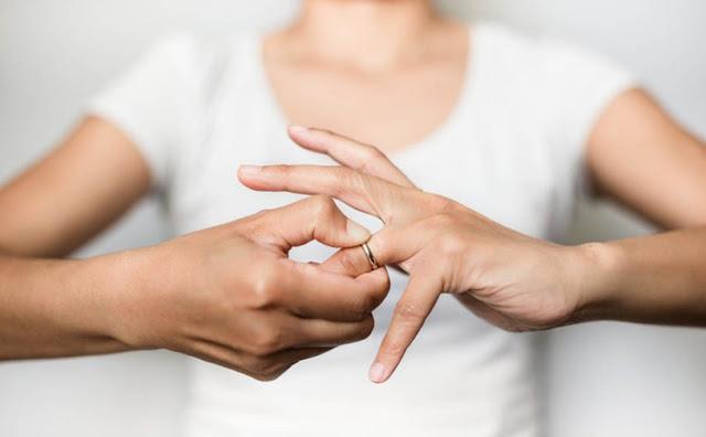 10 lý do có thật ngớ ngẩn nhất dẫn đến ly dị