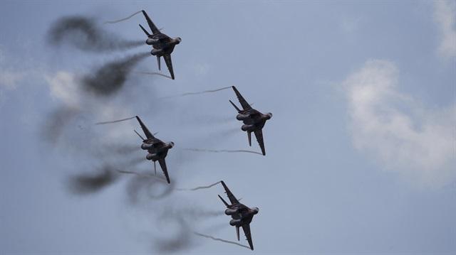 Jet Tempur Rusia Hancurkan Kamp Kurdi dan Syiah Assad