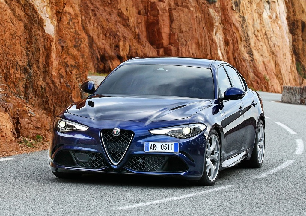 alfa romeo giulia quadrifoglio 2016 hottest cars today. Black Bedroom Furniture Sets. Home Design Ideas
