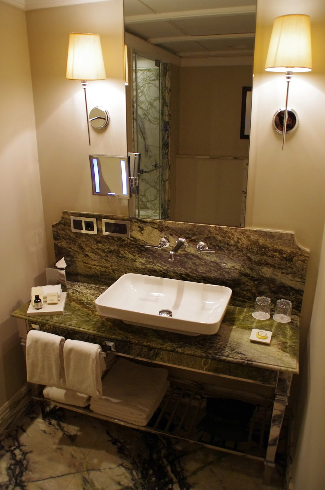 Vault Karaköy Bathroom