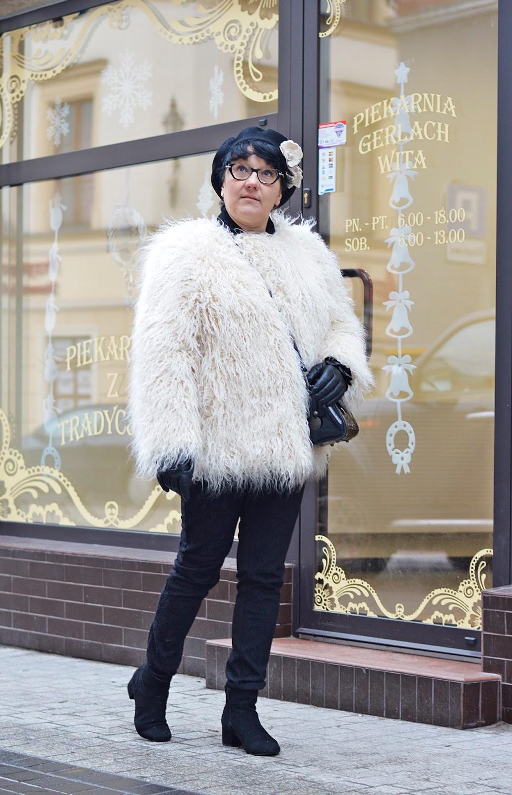 kremowe futerko H&M, creamy fur H&M, winter style, winter outfit, zimowa stylizacja