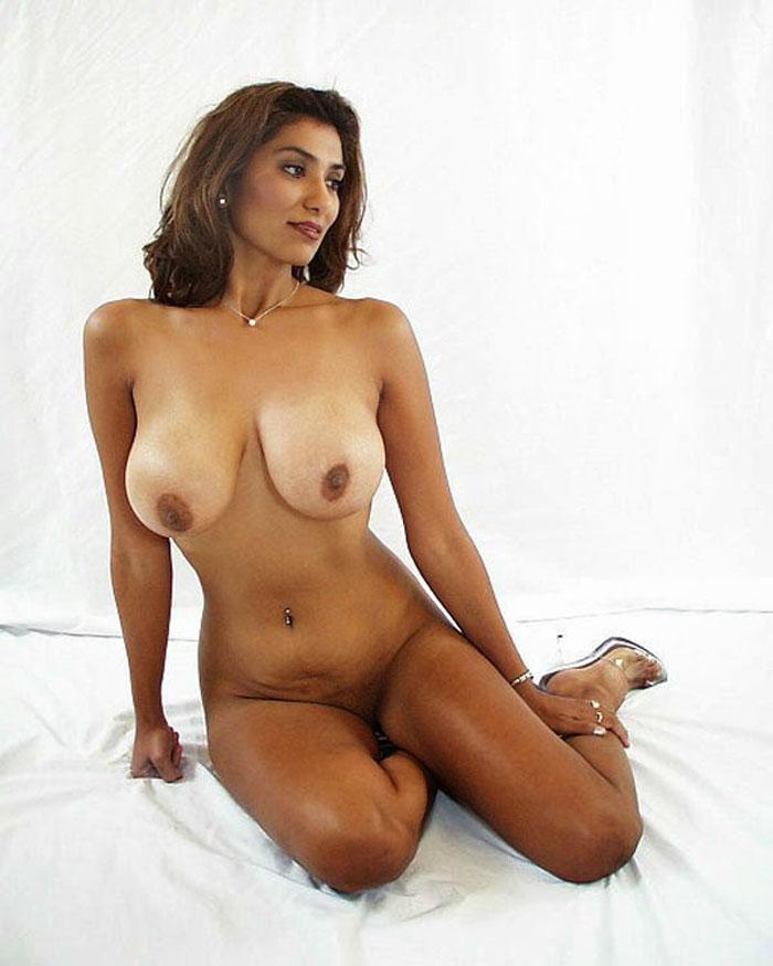 Sexy big booty midgets