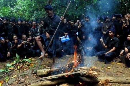 Suku Kajang Amma Toa