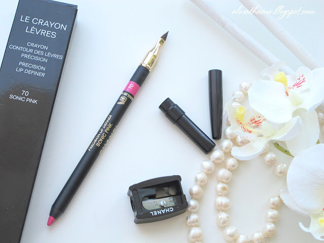 Chanel-Le-Crayon-Levres-70-Sonic-Pink