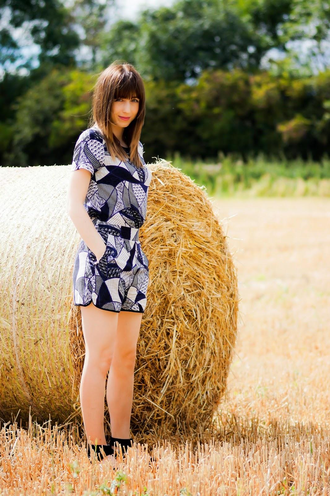 Hello Freckles Hay Bales Harvest OOTD 4