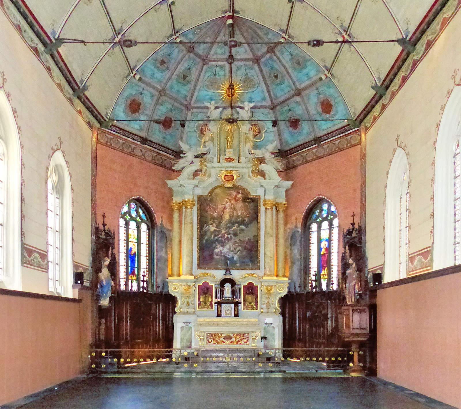 Photo Hospice d'Havré, Tourcoing - retable de la chapelle (vue intégrale)