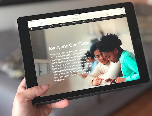 Apple - Everyone Can Code - Computer Science Education Week