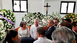 Presidente Danilo Medina se traslada a La Vega en solidaridad con familiares de Juan Heriberto Medrano Cosme