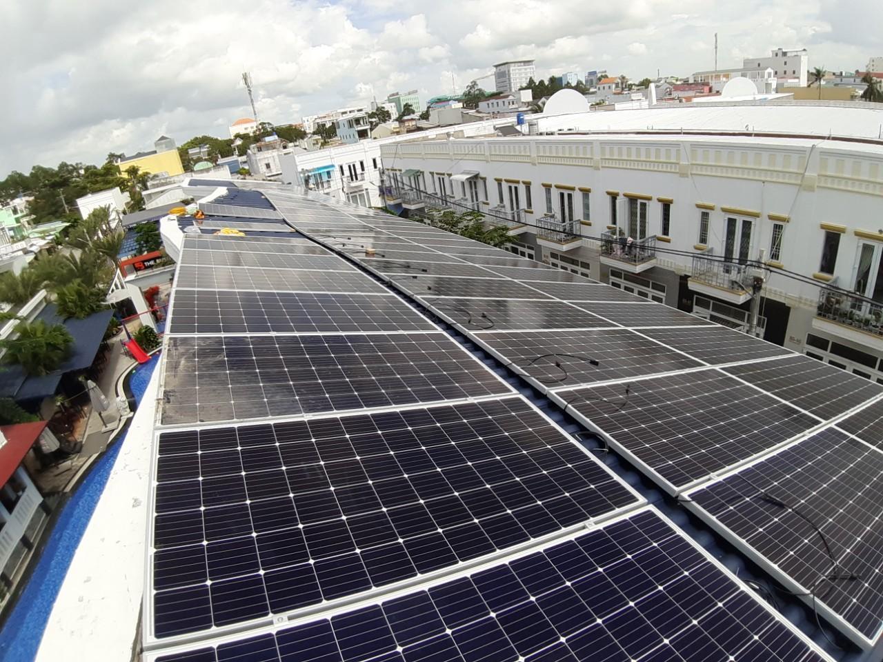Giảm thiểu chi phí điện lưới với Giải pháp Điện Năng Lượng Mặt Trời do Mobifone cung cấp