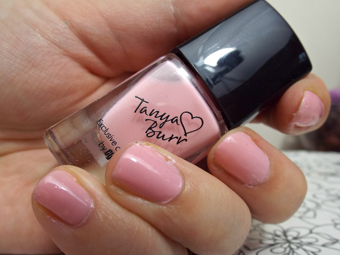tanya burr, tanya burr lips and nails, tanya burr nail varnishes, review, swatches, mini marshmellows,