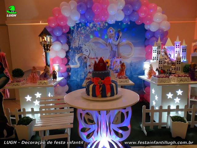 Mesa temática Os Enrolados - Rapunzel - Festa de aniversário infantil