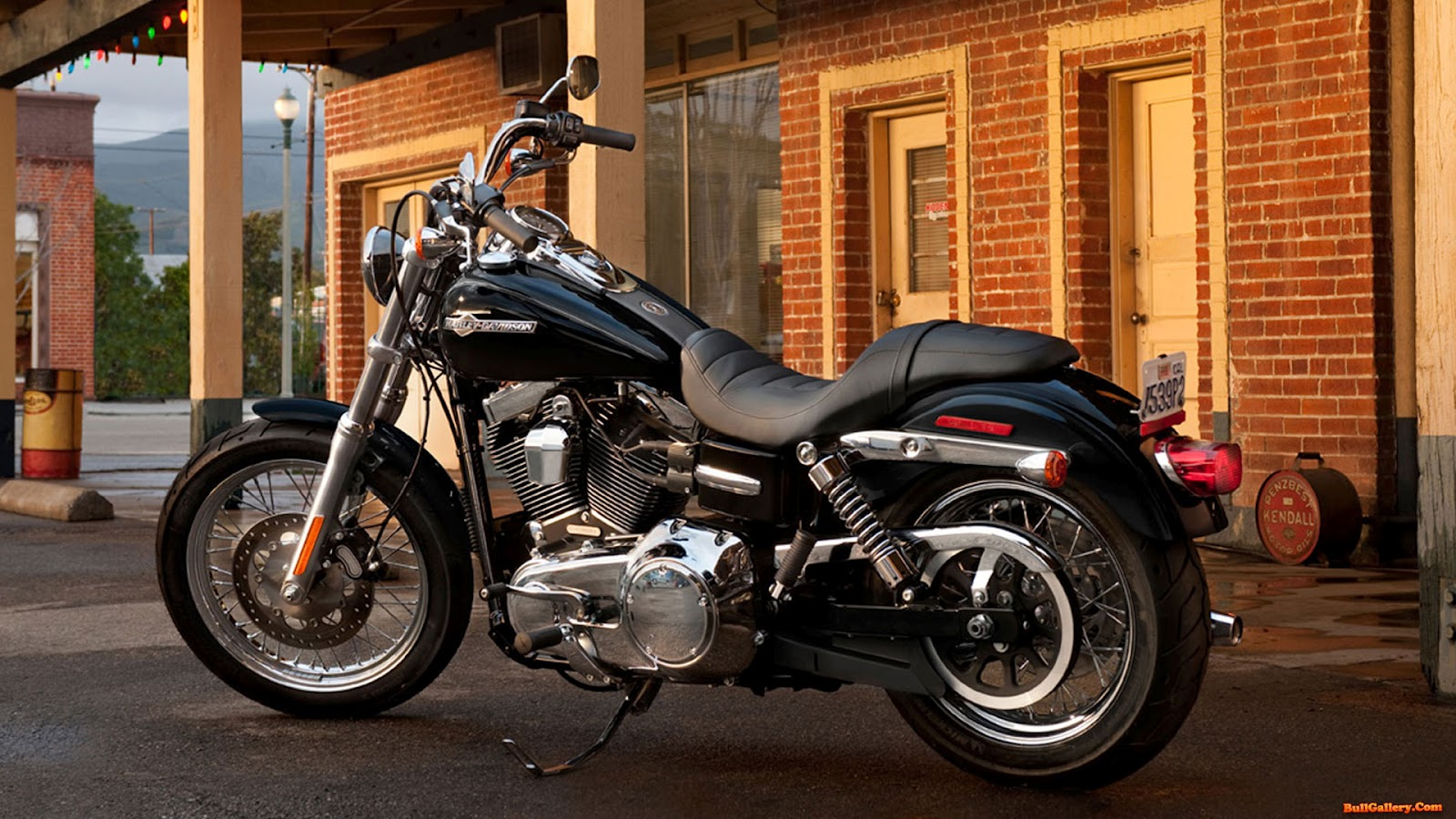 Super 2013 Glide Dyna Davidson Harley Custom