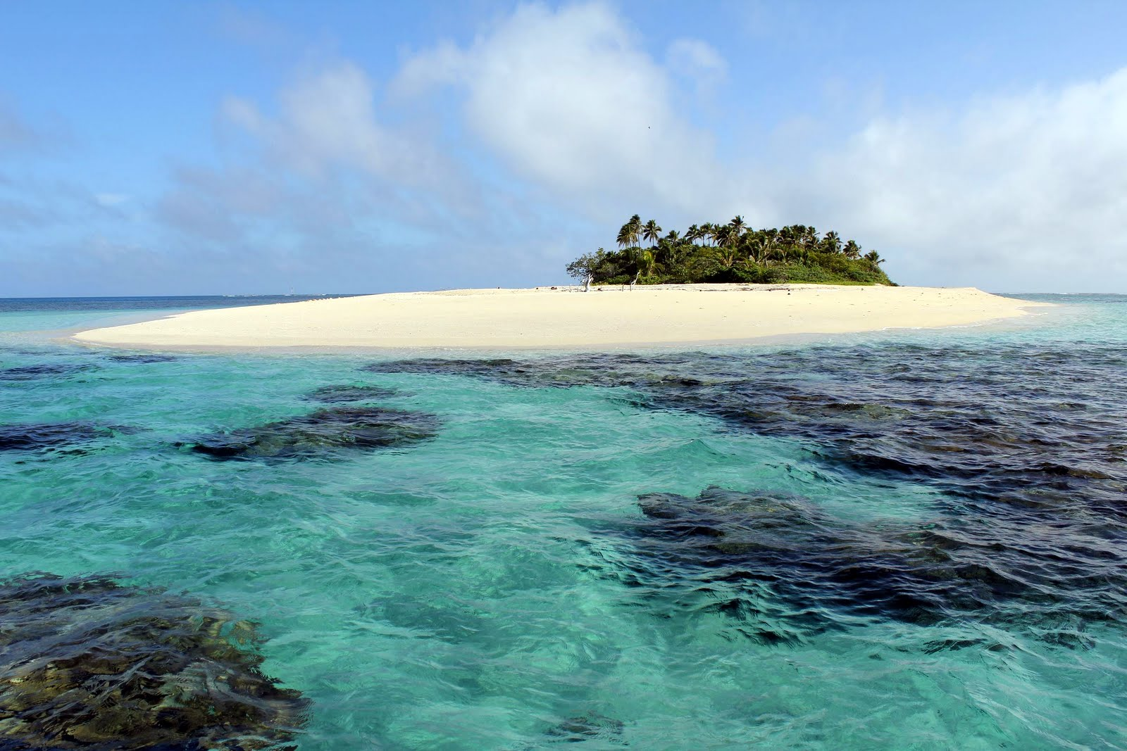 Welcome to the adventurous life of daria friday haapai group after 2 beautiful weeks in the vavau group we made our way south to the haapai group the kingdom of tonga is a series of islands that lies north to south sciox Images