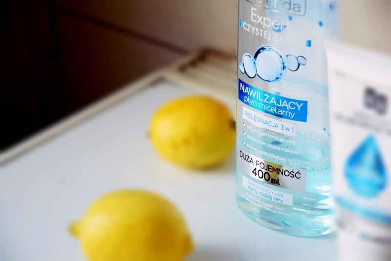 oczyszczanie twarzy płynem micelarnym i olejem