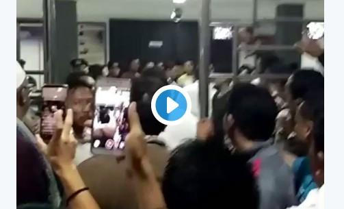 Video Detik-Detik Penangkapan Kembali Ust. Alfian Tanjung di Surabaya