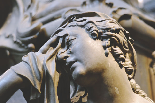 Weeping woman statue