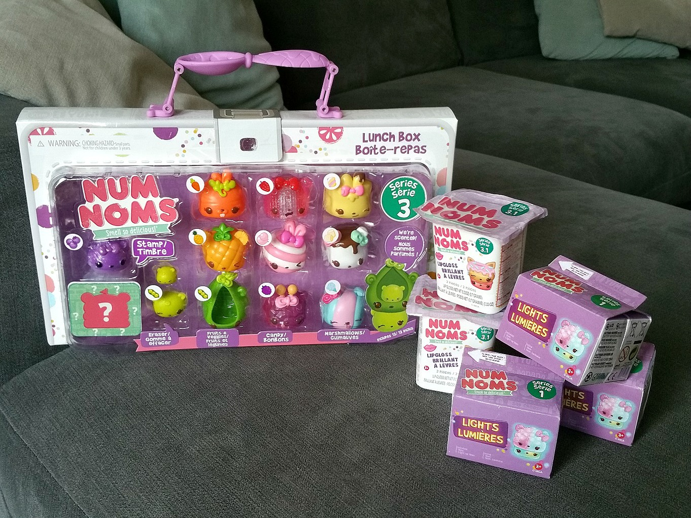 Num Noms Series 3, Num Noms Lights Series 1, Collectible scented toys