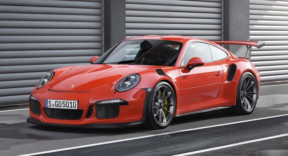 Max Verstappen Picks Up A Porsche 911 GT3 RS When He's Not On Track