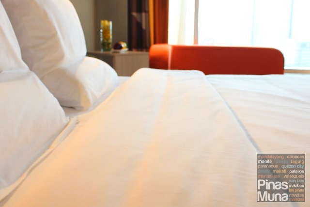Novotel Manila Araneta Center Live N Dream Bed