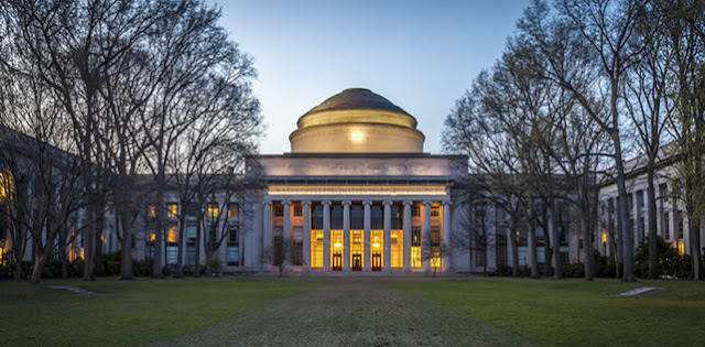MIT é a melhor universidade do mundo para Ciência da Computação e Sistemas de Informação.