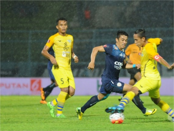 Gresik United vs Arema FC