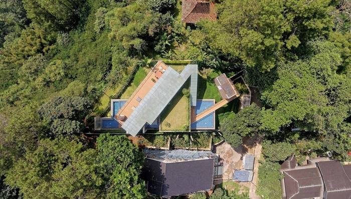 Forest Villa On A Hillside In Indonesia | Hanging Villa