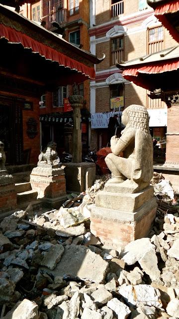 life, love, nepal, kathmandu, temples, durbar, aakash, bhairav, mahakali, kali, thamel, square, shrine, souveinrs, paubha, thangka,