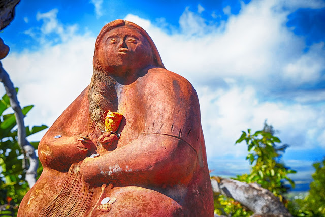 Ali'i Kula Lavender statue