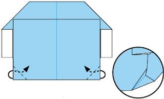 Bước 7: Gấp và nhét góc giấy vào trong giữa 2 lớp giấy