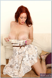 Tiffany-Mynx-%3A-Fucking-in-the-couch-with-her-average-body-%23%23-NAUGHTY-AMERICA-t6vw1duvvx.jpg