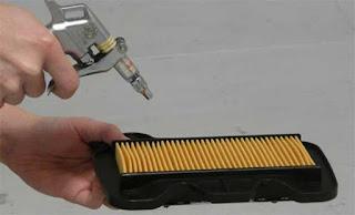 Cara Membersihkan Saringan (Filter) Udara Mobil dan Motor_