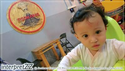 Aina selfied di FizoMawar Kitchen Bandar Baru Bangi