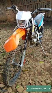 Spakbor Depan KTM 250 DI KLX S