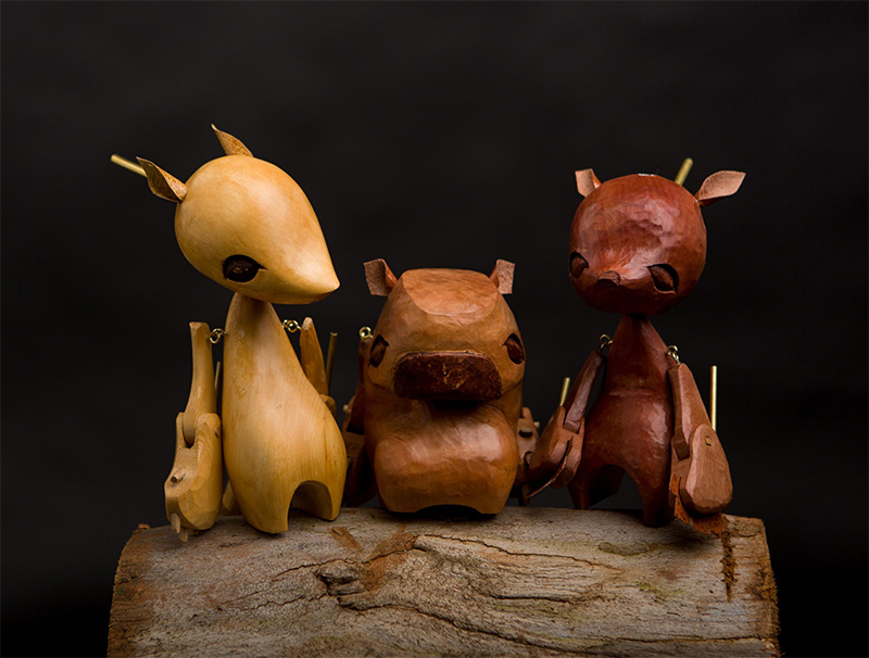 hand-carved-wooden-puppets-by-australian-wez-champion