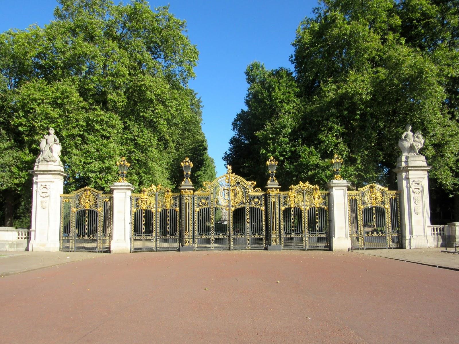 Destination: Fiction: Buckingham Palace & The Royal Mews
