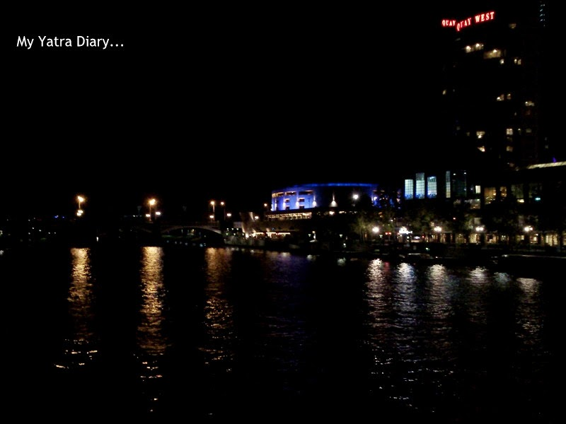 Melbourne Views at night in the Yarra River, Australia