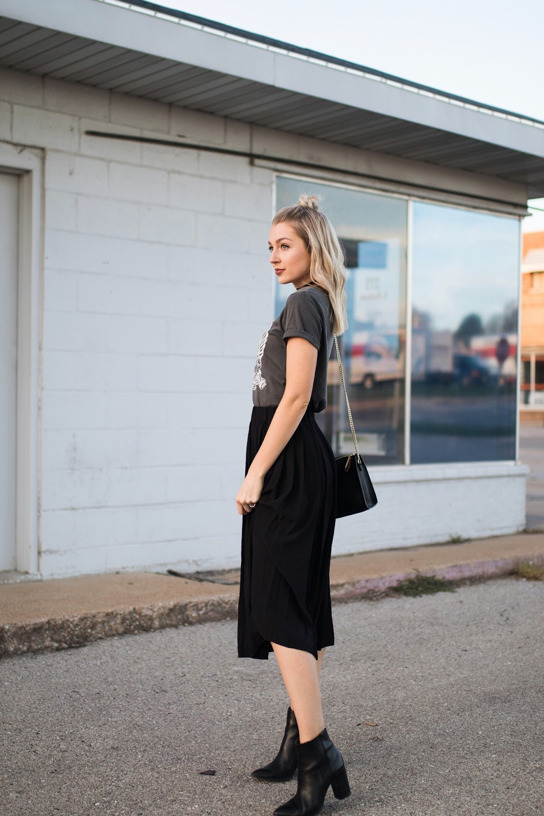 t-shirt with a midi skirt