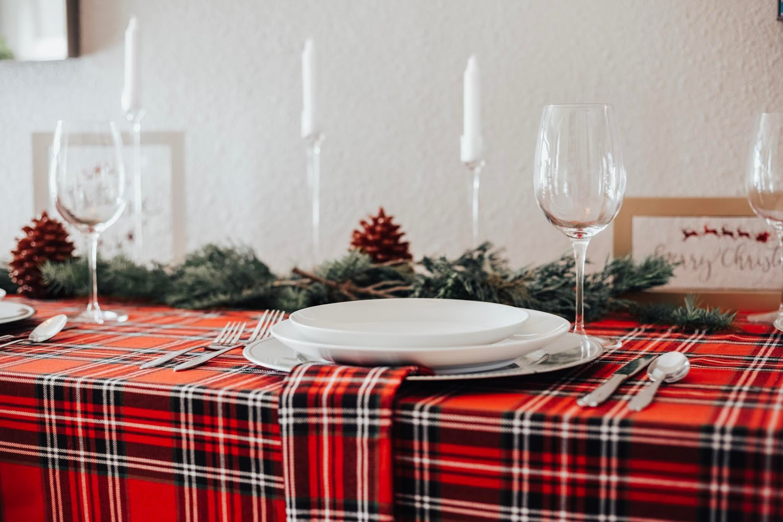 Christmas Red Plaid Table