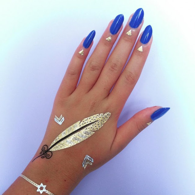 Lovely Feather Gold Tattoo