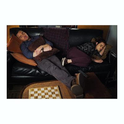 "PLL bts 7x17 Ezria sleeping on couch, Lucy Hale (Aria) and Ian Harding (Ezra) ""Driving Miss Crazy"""