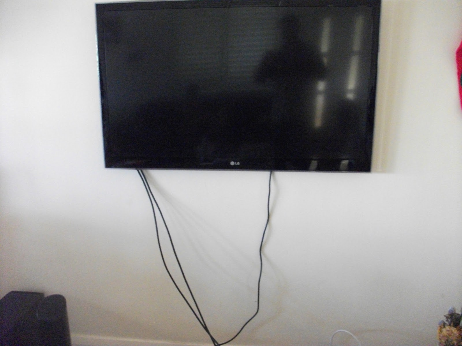 Dirty Deeds co How to hide tv cables